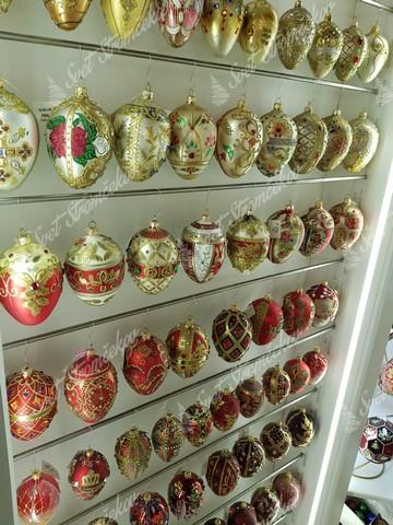 Retro vianočné gule v červenej a zlatej farbe na stromček
