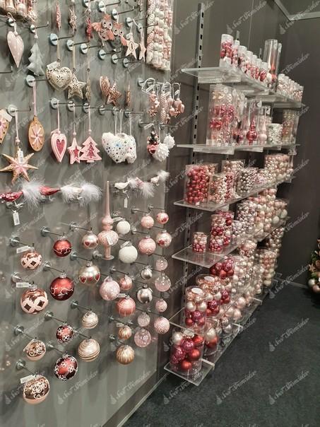 Vianočné gule, hviezdičky a srdiečka na stromček v púdrovo ružovej farbe