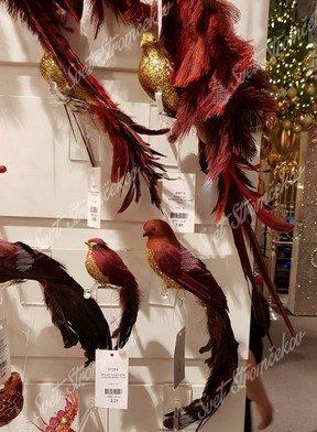 Červeno zlaté vtáčiky a zlaté vtáčiky ako dekorácie na stromček