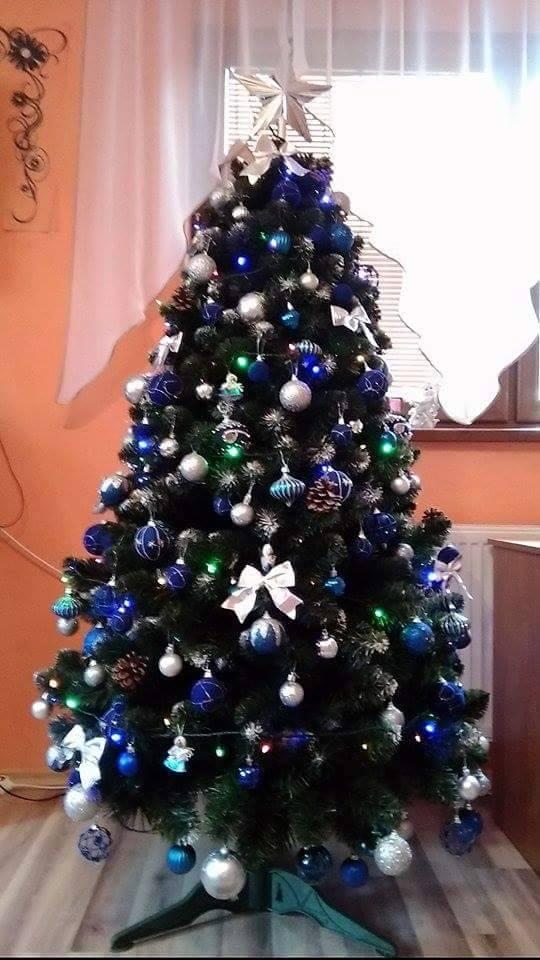 010bd3bc3 Borovica Zasnežená 180cm. Vianočnú atmosféru navodí vianočný stromček ...