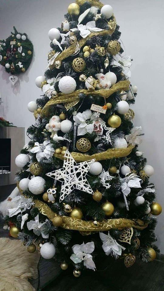 Vianočné stromčeky ozdobené našimi zakazníčkami  7ff7eaa3028