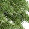 Detailná fotka 3D ihličia umelého vianočného stromčeka Borovica Himalájska.