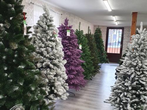 Umelé vianočné stromčeky predaj Bošany 7