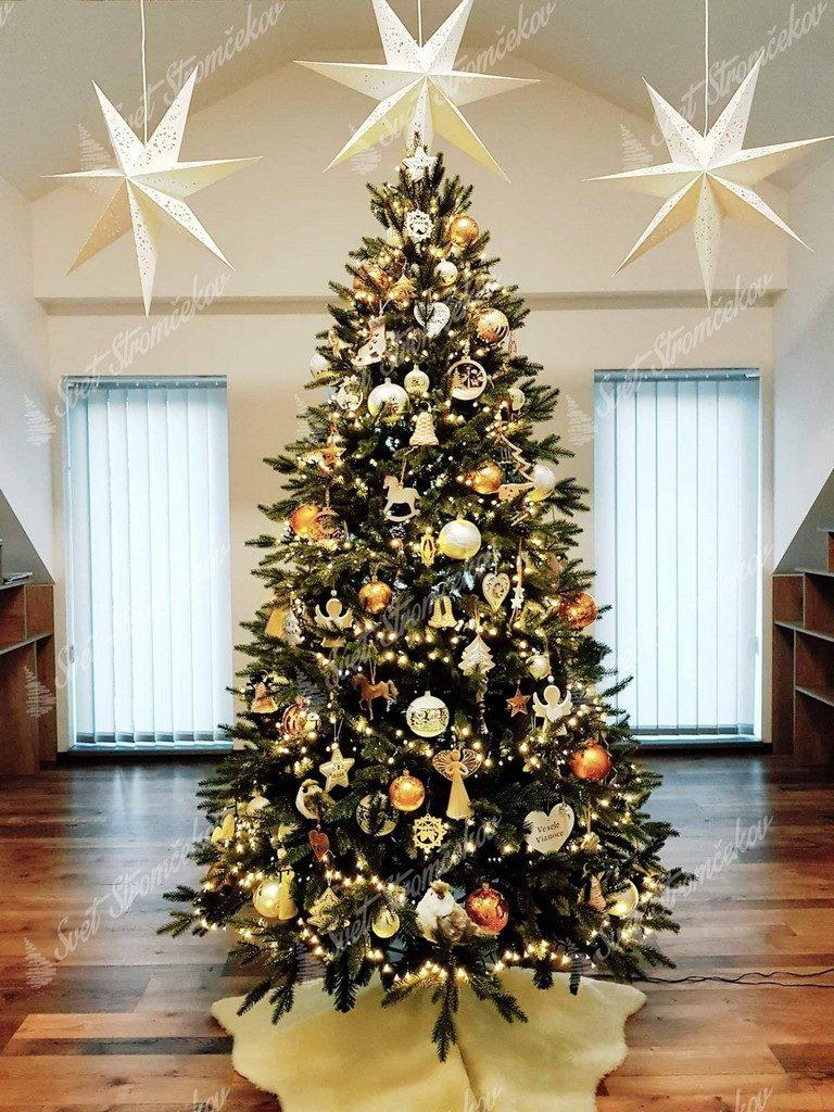 Ozdobený vianočný stromček 3D Smrek Alpsky 240cm