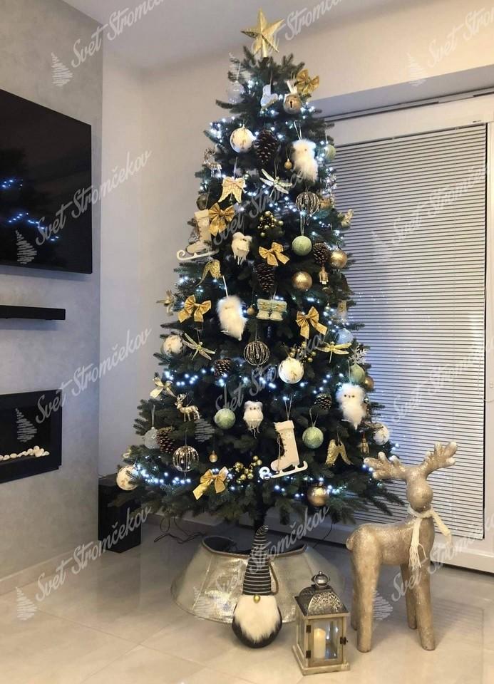Ozdobený vianočny stromček 3D Jedľa Kanadská 210cm