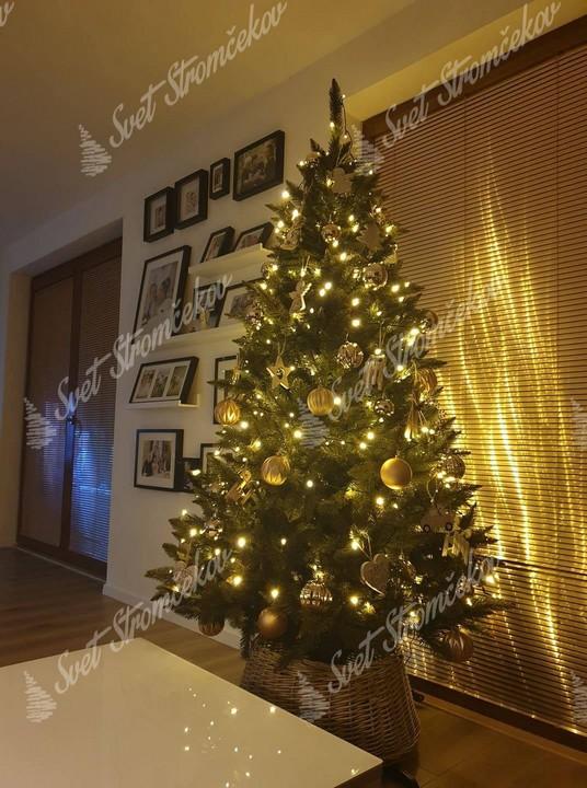 Ozdobený vianočný stromček Smrek Nórsky 180cm