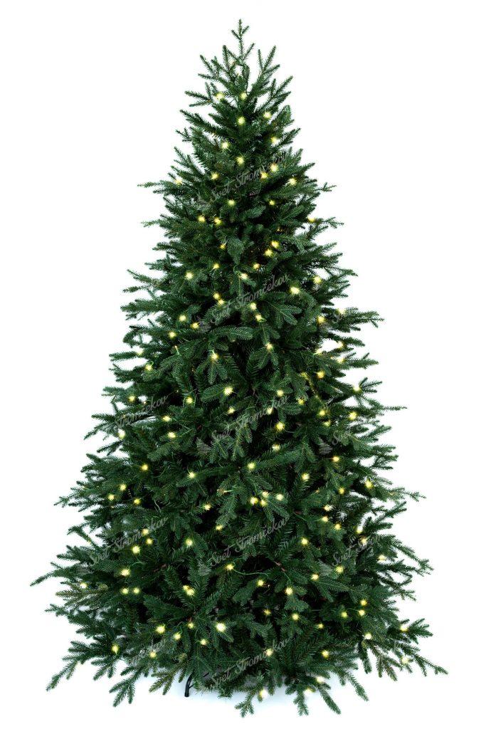 3D vianočný stromček s reálnymi vetvičkami vďaka čomu pôsobí naozaj živo. Vianočný stromček je ovešaný LED osvetlením teplej bielej farby.