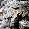 Biela vetvička 3D vianočného stromčeka s LED osvetlením.