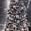 moderne ozdobený umelý vianočný stromček Smrek Severský 240cm