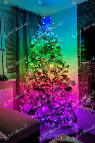 Farebné vianočné osvetlenie na stromček Twinkly Strings multicolor. Svieti na rôzne farby, ktoré sa dajú medzi sebou kombinovať.
