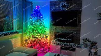 Osvetlenie na stromček Twinkly stringst multicolor. Farebné svetielka v širokom farebnom spektre na stromčeku.