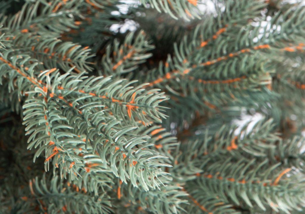 Umelý vianočný stromček 3D smrek ľadový, detail ihličia