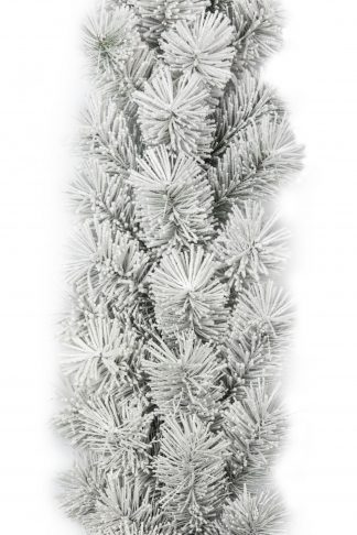 Vianočná girlanda Borovica Biela. Biela zasnežená vianočná girlanda s hrubými borovicovými vetvičkami.