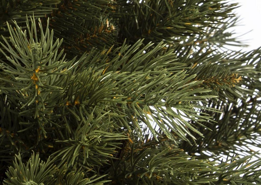 Vianočný stromček 3D mini borovica, detail ihličia